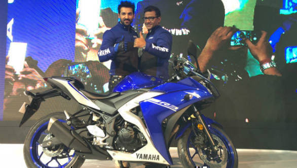 Auto Expo 2018 New Yamaha Yzf R3 With Dual Channel Abs