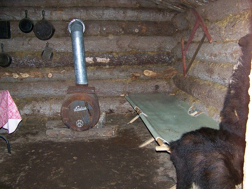 100_0479-Talkeetna, AK-Mahays Jetboat Safari-Replica of Old Indian Camp-Replica of Old Trappers Cabin