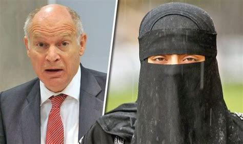 top judge  muslims   allowed  wear veil