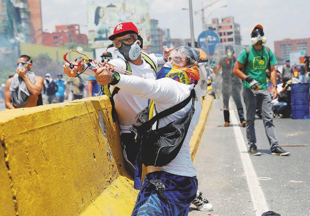 Battaglie quotidiane  –  Scontri a Caracas