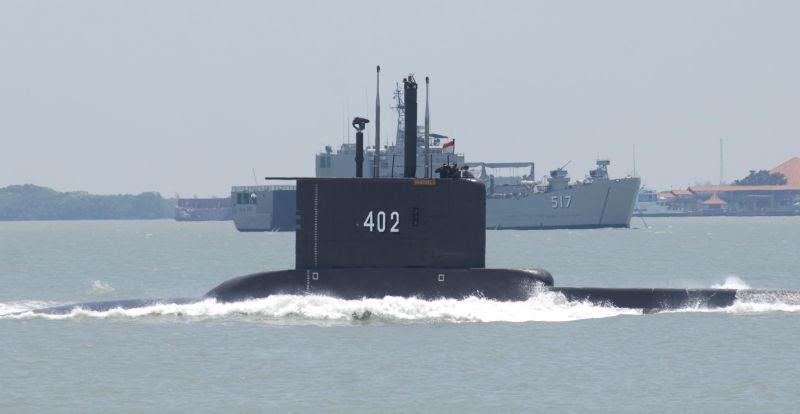 http://img.okeinfo.net/content/2014/12/16/337/1079904/tni-al-tambah-tujuh-armada-kapal-selam-0b9vrTTLDz.jpg