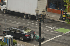 SW Stark buffered bike lane isn't working-19
