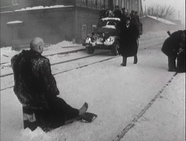 Khrustalyov, mashinu! aka Khrustalyov, My Car! (Aleksei German, 1998)