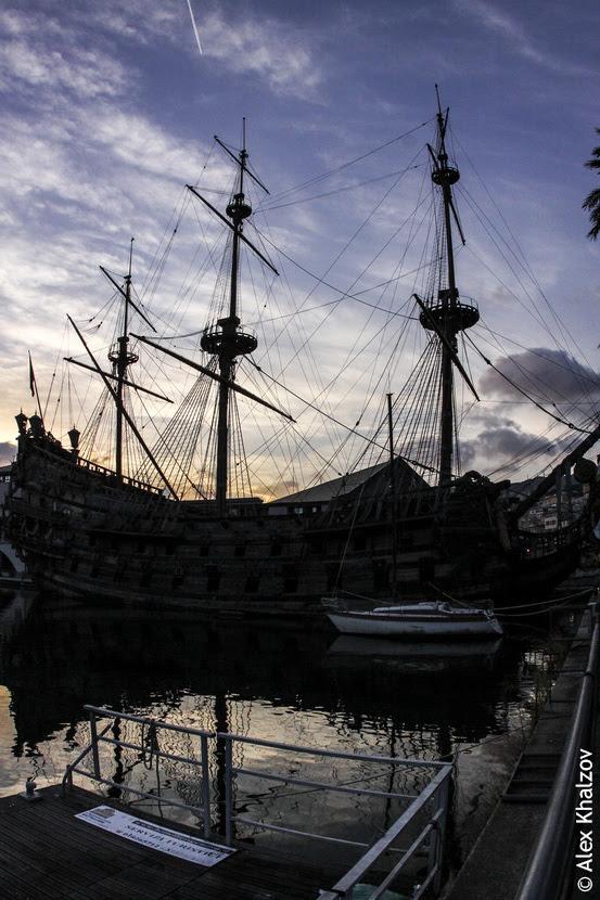 корабль в Генуе