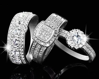 Sparkling #diamond rings @American Swiss can be for your