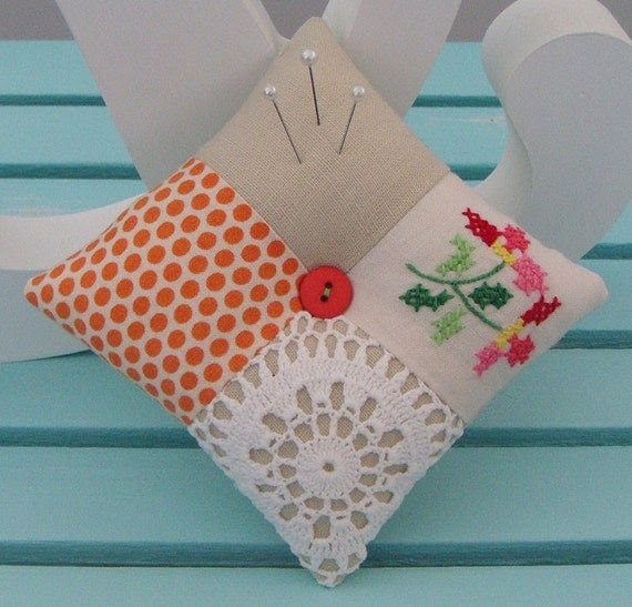 Patchwork Doily Pincushion (137)