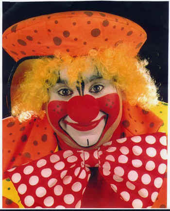 Clown2.jpg (104296 bytes)