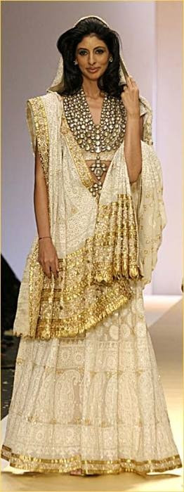 white and gold lengha (and look at that necklace!)