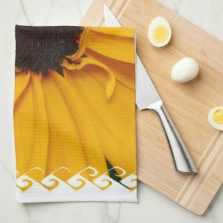 Pretty Black-Eyed Susan Kitchen Towels
