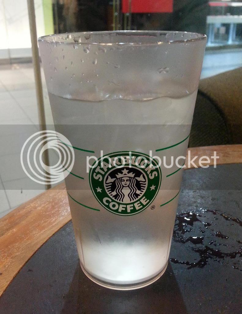 photo StarbucksCoffeeShawCentre05.jpg