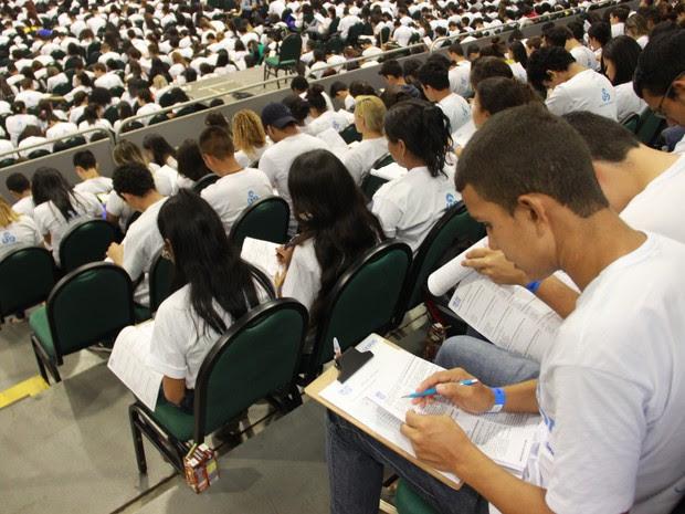 Ao todo, 2.340 alunos participam do Aulão na Rede 2015 (Foto: Sérgio Rodrigues/ G1 AM)