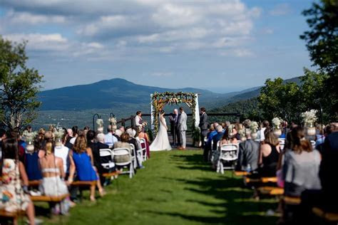 Hunter Mountain Wedding : Carly Jake   Custom by Nicole