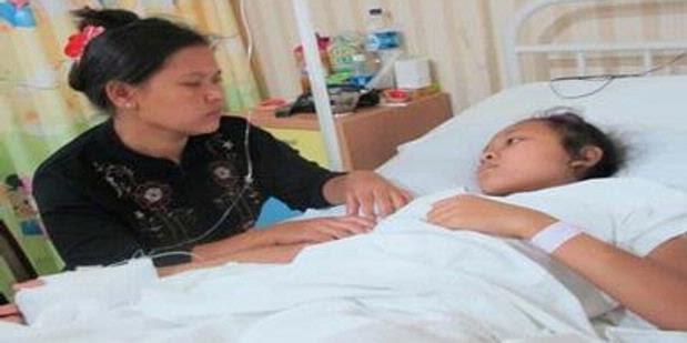 Gadis Ini Hidup dengan Usus Bocor Selama 7 Tahun