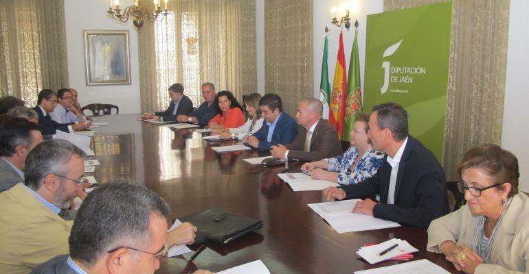 Miembros del comité que organizará los actos del 75 aniversario de la muerte de Miguel Hernández.