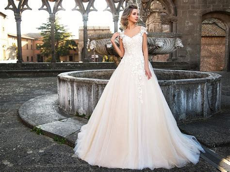 30 Beautiful Monica Loretti Wedding Dresses   Wedding