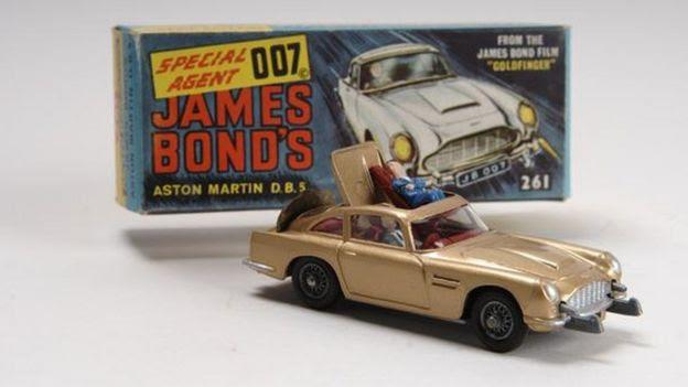 Aston Martin DB5 model car