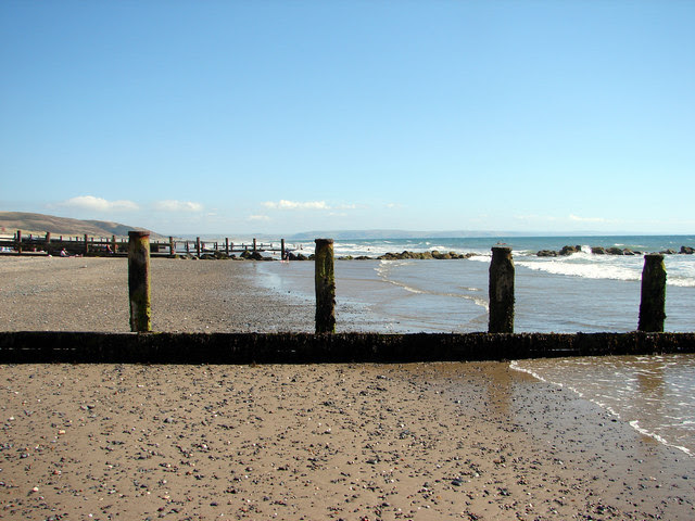 File:Foreshore at Tywyn - geograph.org.uk - 214678.jpg