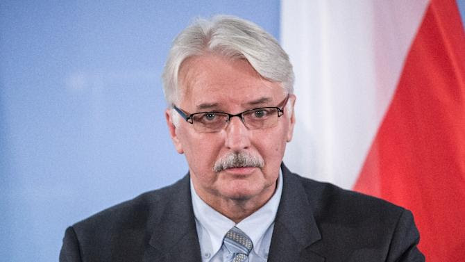 Polish Foreign Minister Witold Waszczykowski and his German counterpart attend a press conference on November 26, 2015 at the Foreign ministry in Berlin