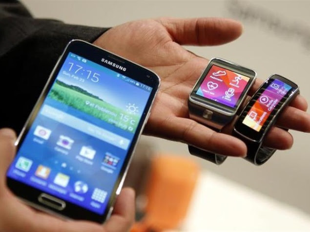 samsung_galaxy_s5_gear_fit_and_gear_2_reuters.jpg