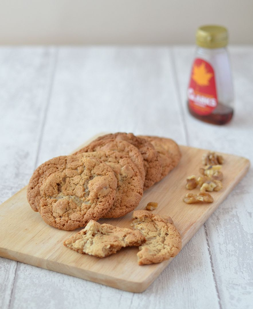 Maple and Walnut Cookies