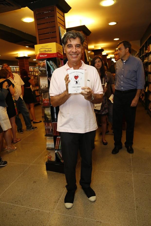 Paulo Betti no lançamento do livro de Maria Ribeiro  (Foto: Felipe Assumpção / Agnews)