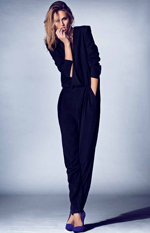 LE FASHION BLOG EDITORIAL COSTUME MAGAZINE LONG SLEEVE MINIMAL JUMPER JUMPSUIT PURPLE SUEDE HEELS 8