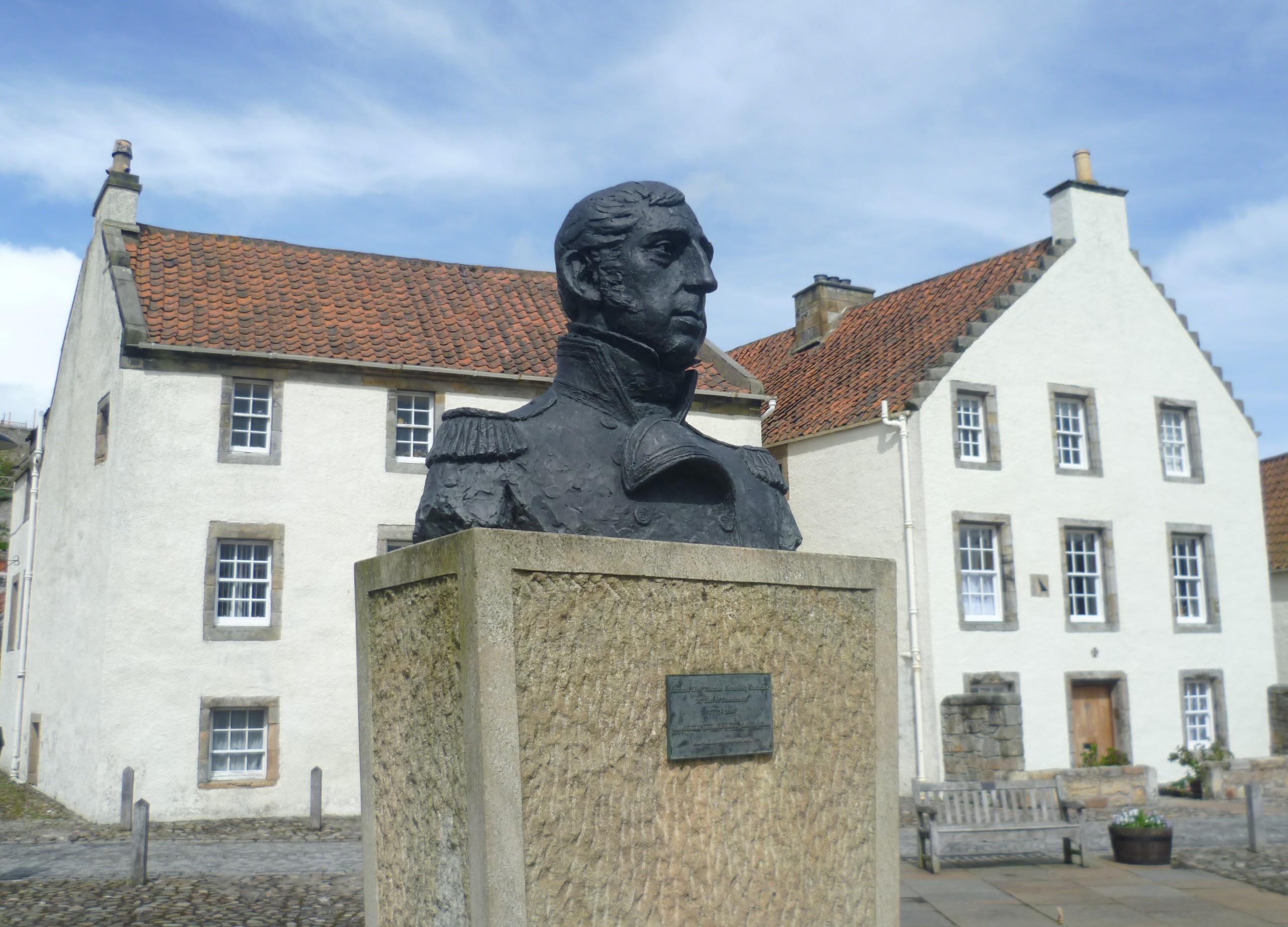 http://upload.wikimedia.org/wikipedia/commons/4/4d/Admiral_Cochrane_bust,_Culross,_Fife.JPG