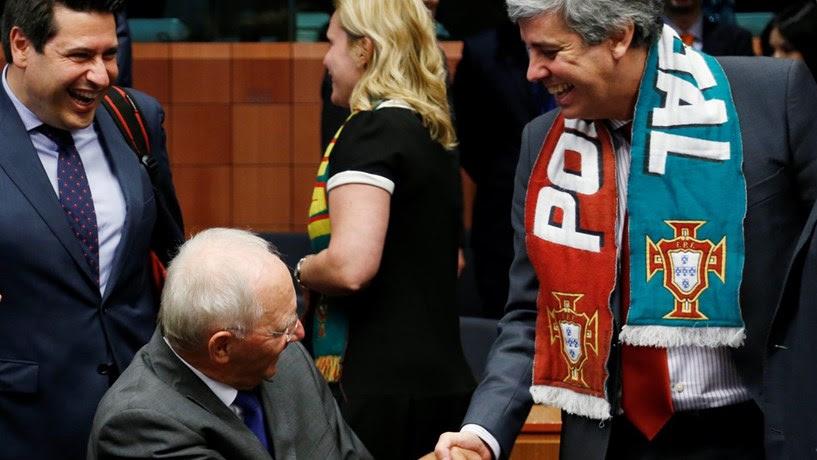 """Schäuble: """"Centeno é o Ronaldo do Ecofin"""""""