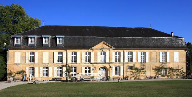 http://prisons-cherche-midi-mauzac.com/wp-content/uploads/2013/07/chateau_du_sablou_facade_actuelle.jpg