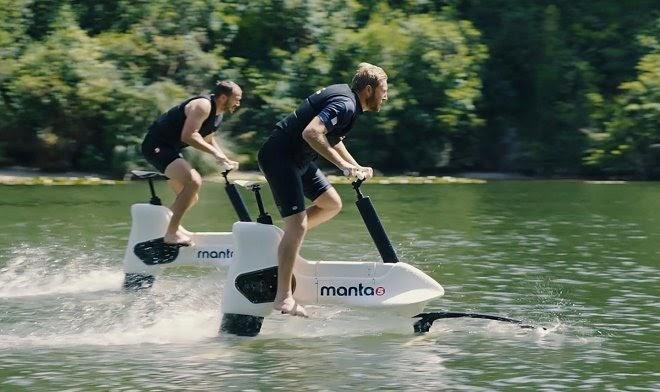 Велосипед на подводных крыльях Manta5 позволит вам гонять на скорости 20 км/ч