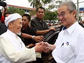 JKKP lah yang menyebabkan manusia berpecah belah, di Kelantan sepatutnya rakyat berada di bawah satu parti dan parti lain tak perlu masuk campur.