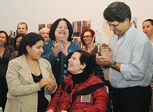 A tetraplégica Ana Amália Barbosa recebe título de doutora na USP