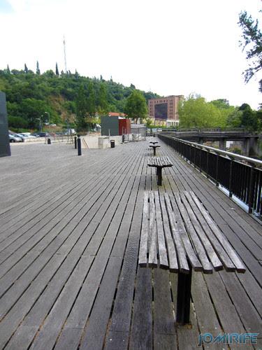 Jardim do Polis Leiria (Este) - Plataforma, bancos [en] Polis Garden of Leiria, Portugal