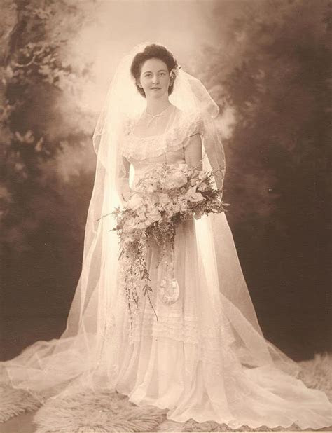 Vintage Photograph ~ ~  Bride wearing a gorgeous Norman