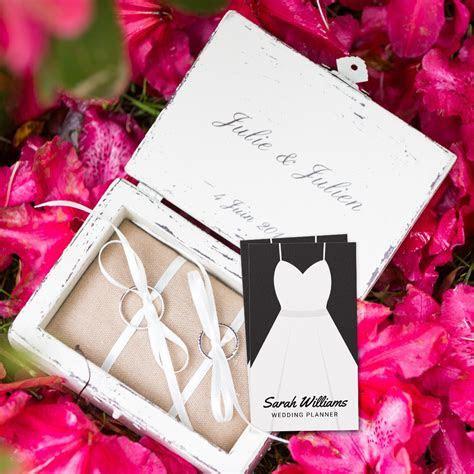 Elegant Black and White Wedding Planner Business Card