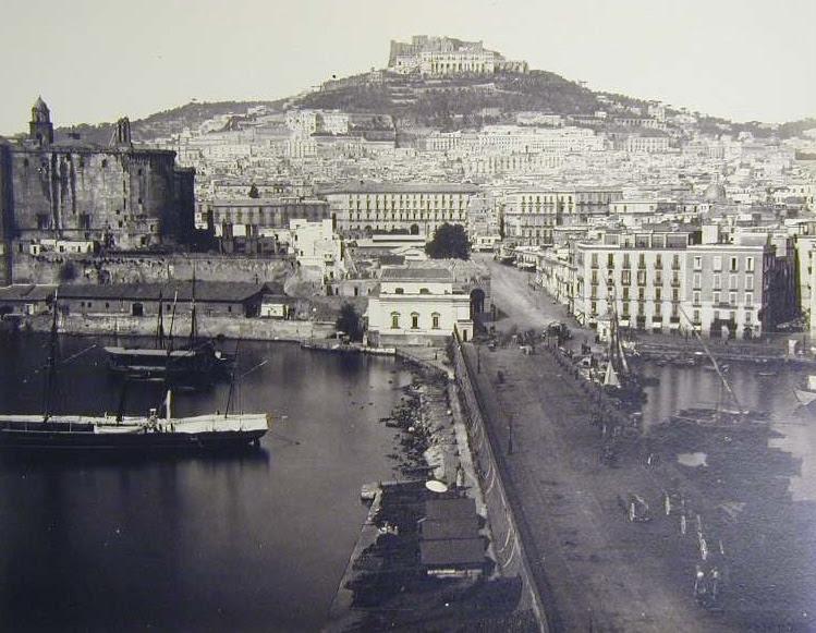 Archivo: Sommer, Giorgio (1834-1891) - Vista de Forte Sant'Elmo jpg.