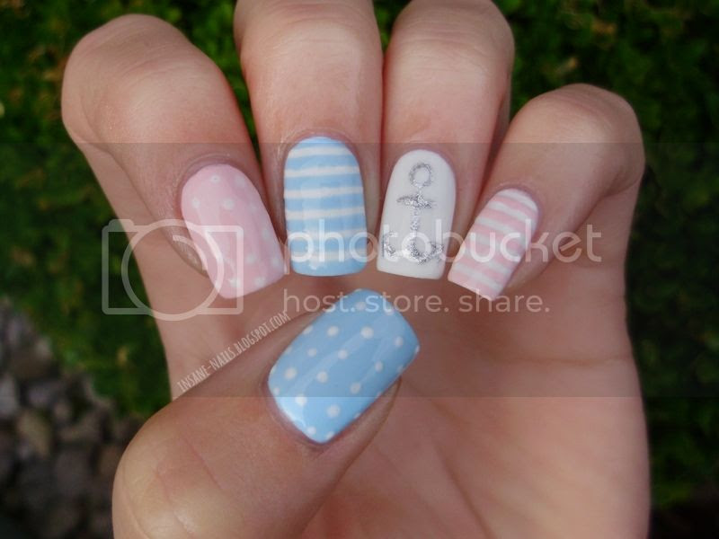 photo pastel-nautical-nails-1_zpsb6b8eb92.jpg