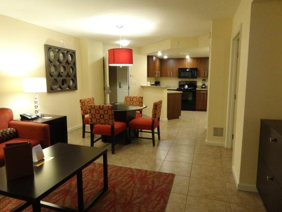 B side living/kitchen - Picture of Grandview at Las Vegas ...