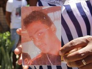 PM matou jovem de 19 anos durante desocupação de terreno em São Luís (Foto: Biaman Prado / O Estado)