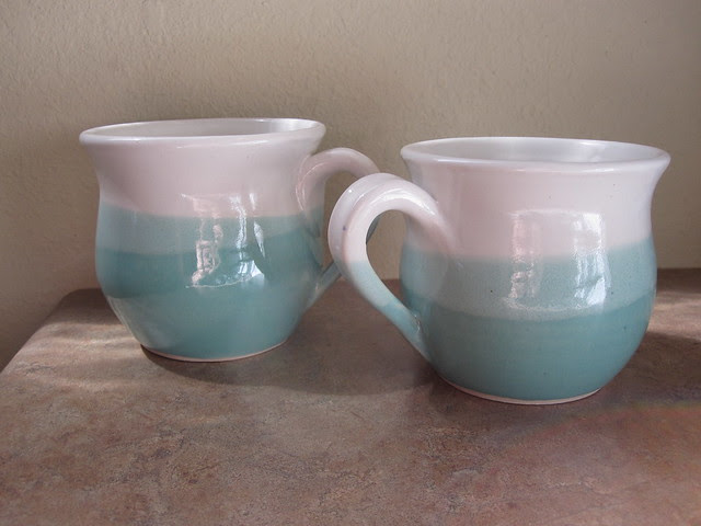 Gigantic tea mugs for a cosy day