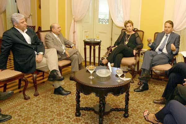 Wilma de Faria e Iberê Ferreira em reunião com o governador de Pernambuco, Eduardo Campos