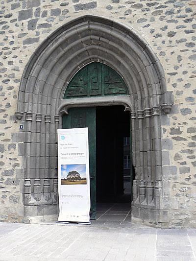 église SAint Flour.jpg