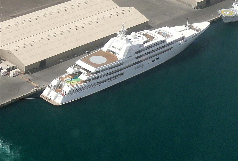 File:Yacht Dubai on 8 May 2008.jpg