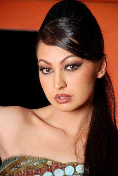 Rubya Chaudhry Rising Pakistani Fashion Model and Actress very hot and sexy stills