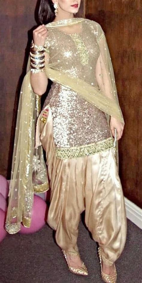 1000  ideas about Indian Designer Suits on Pinterest