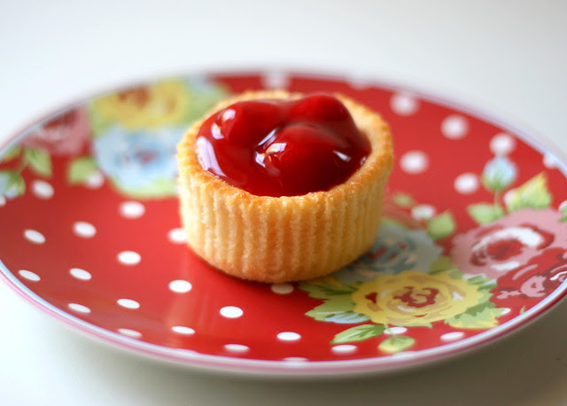 Cherry Cheesecake Cups