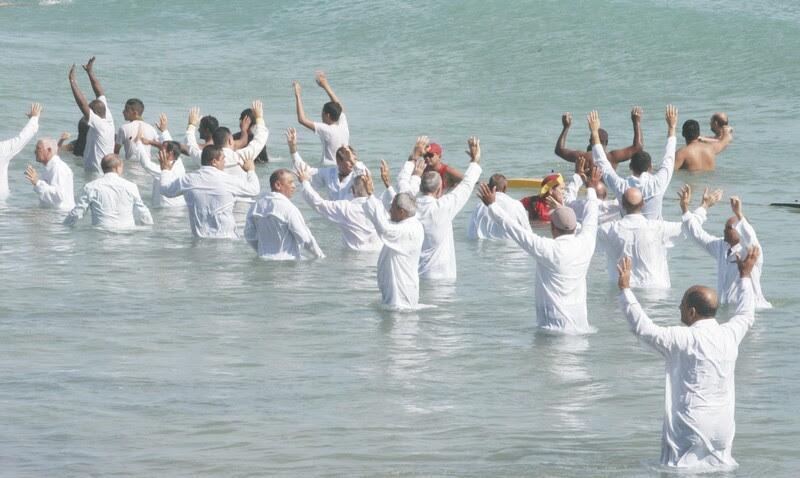 Durante a celebração, os pastores destacaram a missão de proclamar a palavra de Deus. Para os fiéis, a cerimônia é uma forma de reforçar os laços com a igreja, além de confirmar a plena conversão ao Evangelho