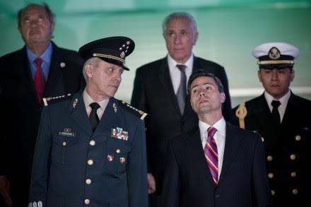 Cienfuegos y Peña. Homenaje al Ejército en el Senado. Foto: Xinhua / Pedro Mera