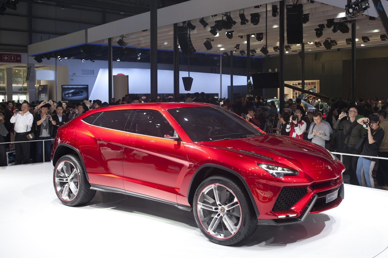 Lamborghini CEO confirms Lamborghini Urus SUV is going ...