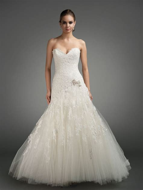 1000  ideas about Bella Swan Wedding Dress on Pinterest